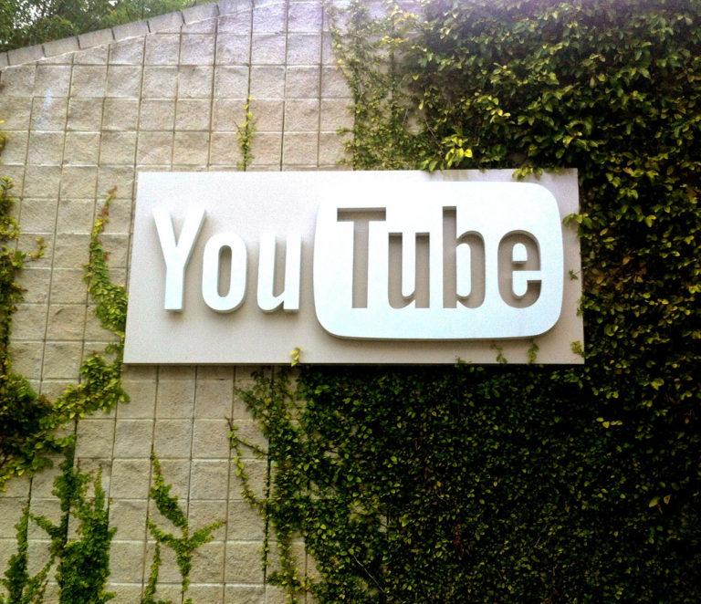 Lövöldözés volt a YouTube székházában