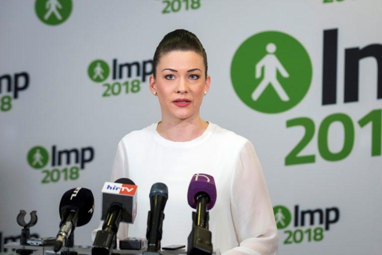 Demeter Márta: Fideszes korrupciós ügyeket leplez a magyar titkosszolgálat