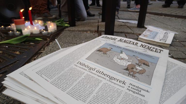 Mécseseket gyújtottak a Magyar Nemzet emlékére, de reménykednek az újságírók