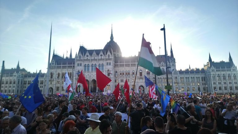 Kormányellenes tüntetés lesz vasárnap