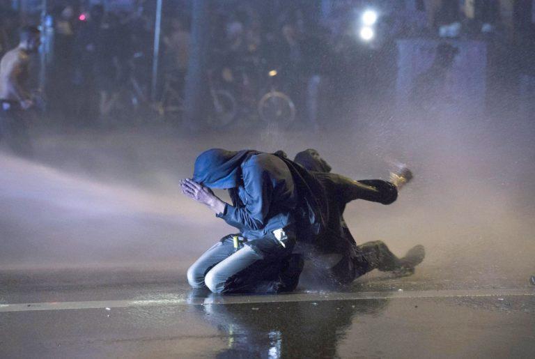 Bréking nyúz, április 14. – Tudósítás a másik valóságból
