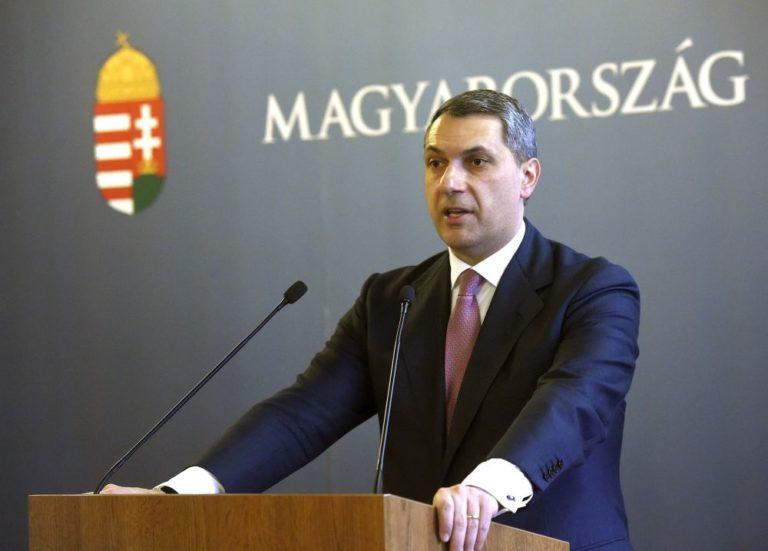 """Gulyás Gergely váltja a Fidesz """"jó rendőrét"""""""
