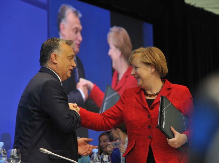 """Merkel """"szégyenletes hallgatásáról"""" ír a Politico"""