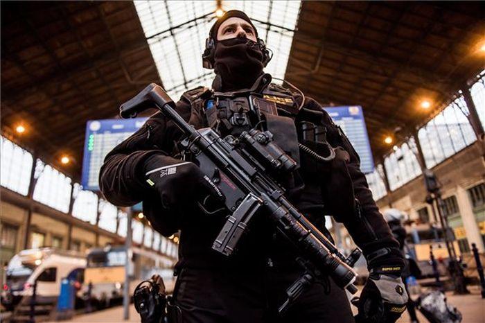 Hatalmas rendőri készültség a fővárosban