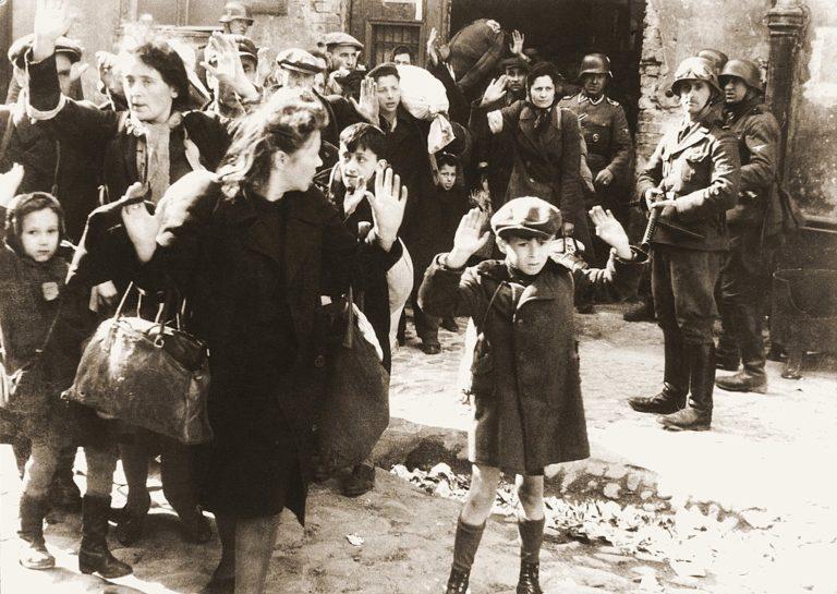 Megszületett az amerikai holokauszt-kárpótlási törvény
