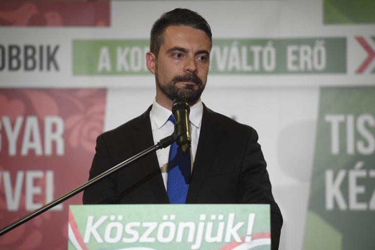 Vona Gábor lemondott