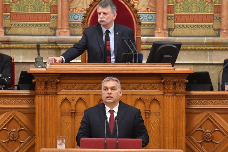 Orbán: A nemzetet szolgáljuk, de helyünk Európában van