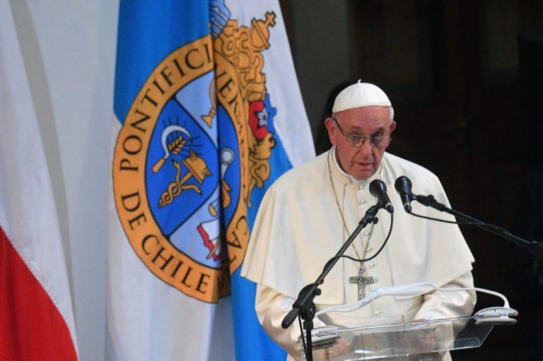 A pedofilvádak miatt lemondott az egész püspöki kar