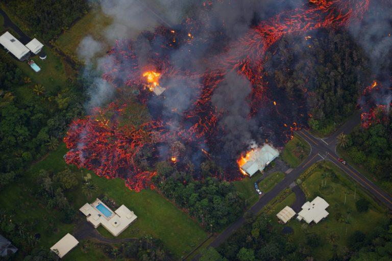 Brutális képek jöttek a vulkánkitörésről