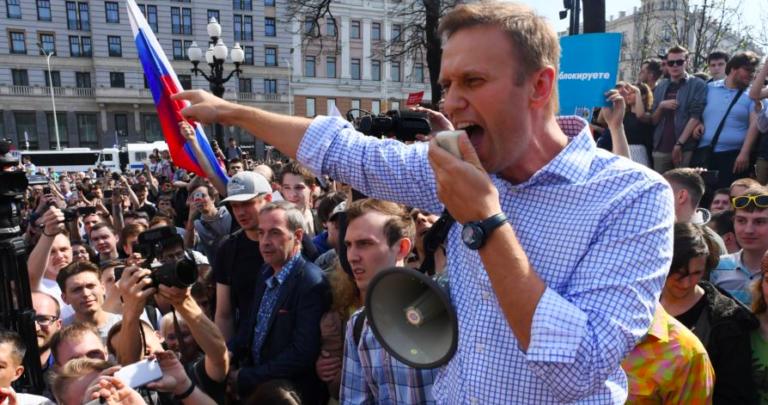 Őrizetbe vették Navalnij orosz ellenzékit és több mint ezer követőjét
