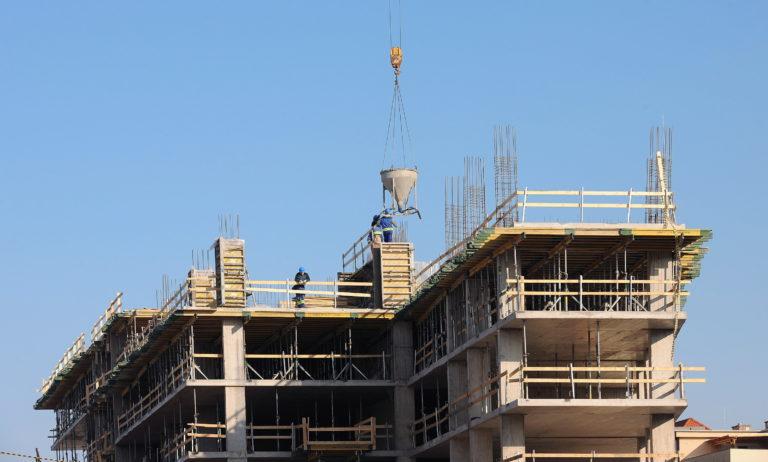 Nagyot bukott az építőipar augusztusban