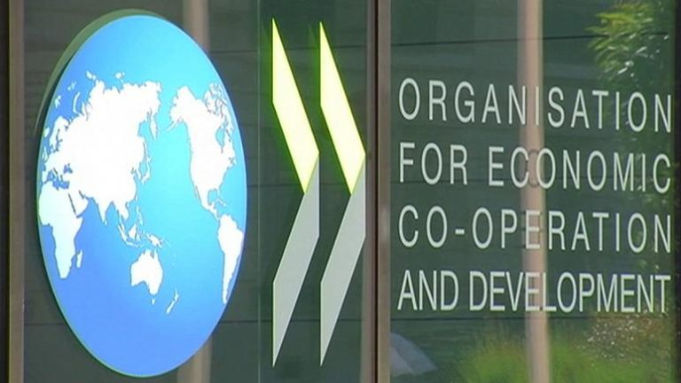 Az OECD is óvatosságra inti a kormányt