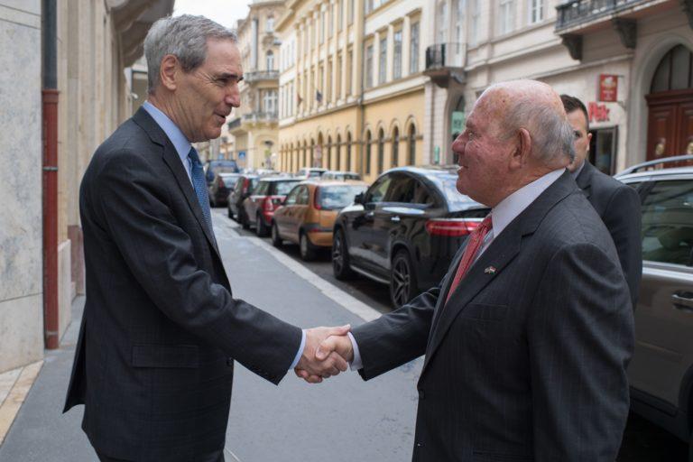 Amerikai képviselők írtak a nagykövetnek a CEU miatt