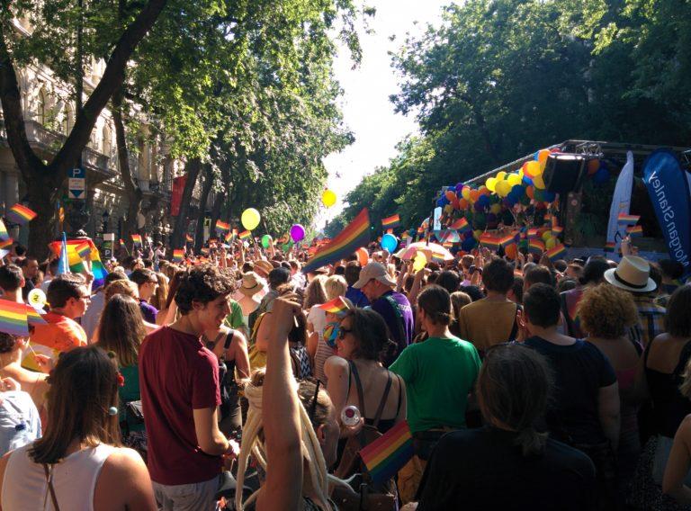 Bréking nyúz, június 15. – Tudósítás a másik valóságból