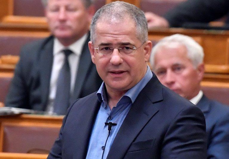 Kósa az ellenzéket vádolja