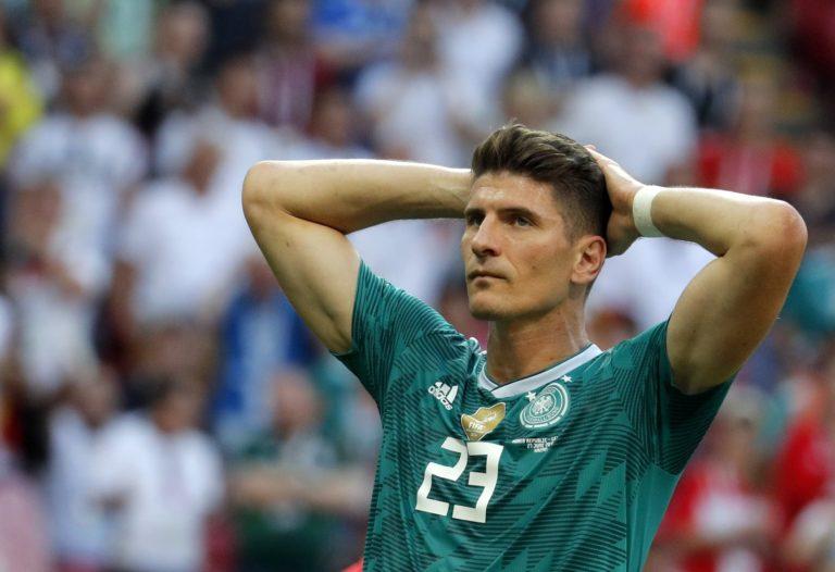 Bombameglepetés a foci vb-n: máris kiestek a németek