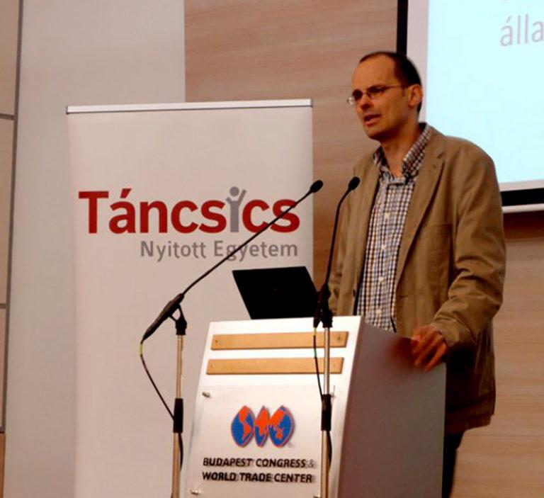 Az autoriter rendszerek beszariak – Interjú dr. Fleck Zoltán jogásszal, szociológussal, az ELTE professzorával