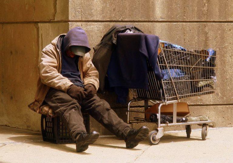 Nem kell szeretni a hajléktalanokat