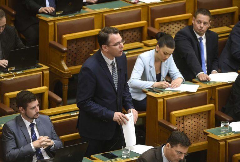 Megmagyarázta a Jobbik, miért szavazott együtt a Fidesszel