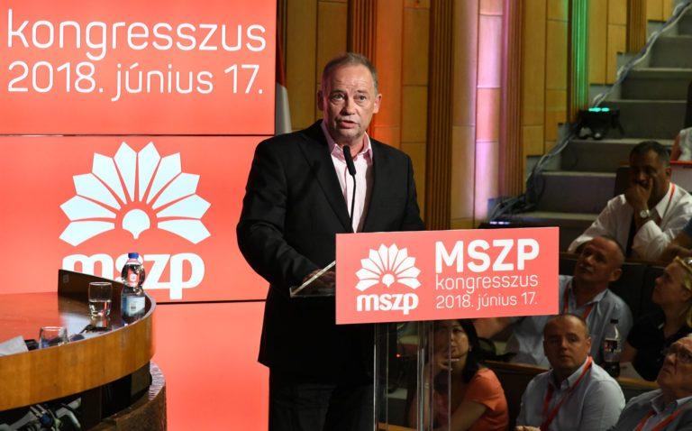 Szanyi Tibor párttagságát felfüggesztette az MSZP