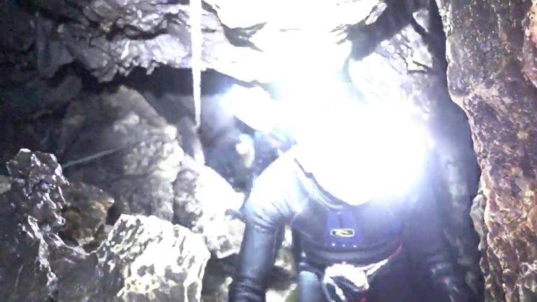 Itt a videó a barlangban rekedt gyerekek mentéséről