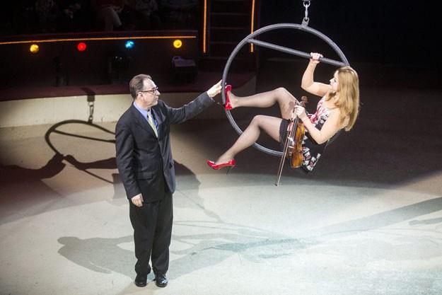 Egy cirkuszigazgató államtitkárként