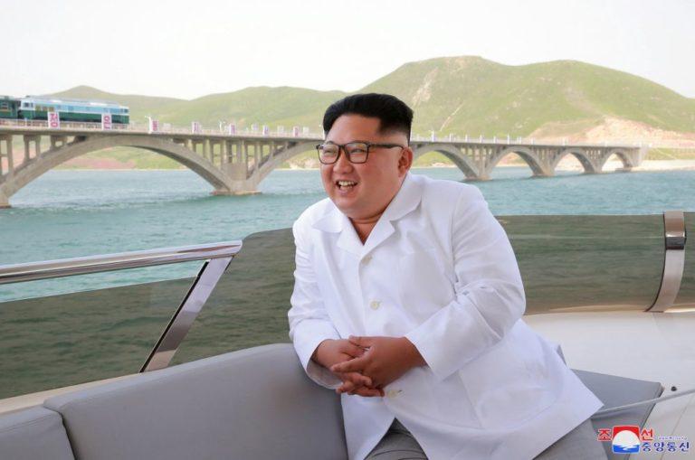 Mozgolódás Észak-Koreában a rakétagyár környékén