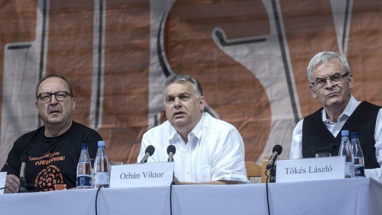 Orbán Tusványoson: meg kell akasztani a Soros-tervet