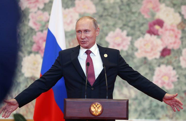Putyin: nyitás a járvány ellenére