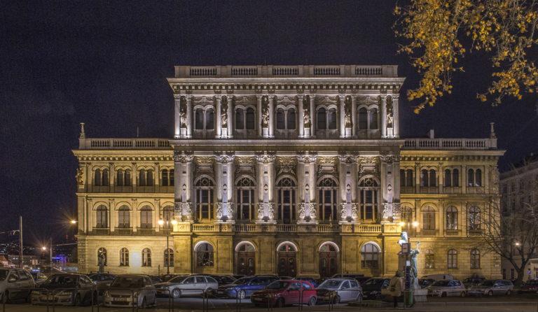 Egyre keményebben bírálják európai tudósok a magyar kormányt