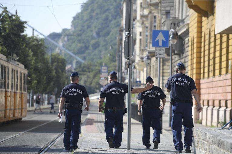 A nap kérdése: Ön tart attól, hogy rengeteg rendőr leszerel?