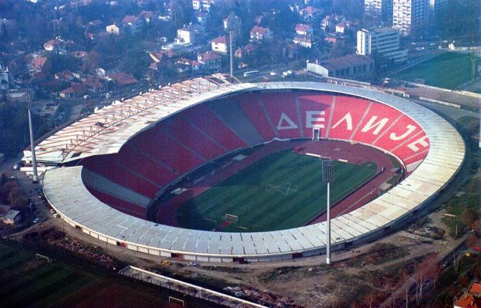 Stadionlázban Szerbia is