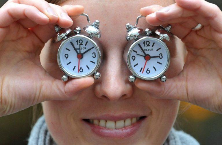 Meg vannak számlálva az óraátállítás percei