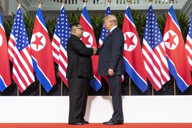 Trump: Beleszerettünk egymásba Kim Dzsong Unnal