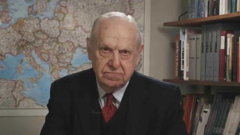 A legismertebb holokausztkutatónak sem tetszik a Sorsok Háza