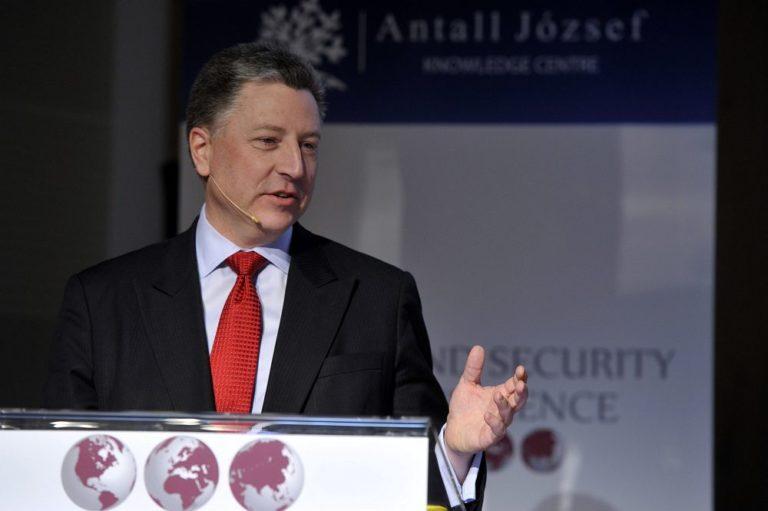 Amerika kész felfegyverezni az ukrán hadsereget