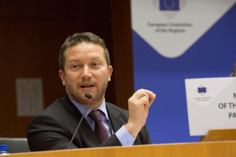 Ujhelyi: forradalmasítjuk az európai egészségügyi ellátást!