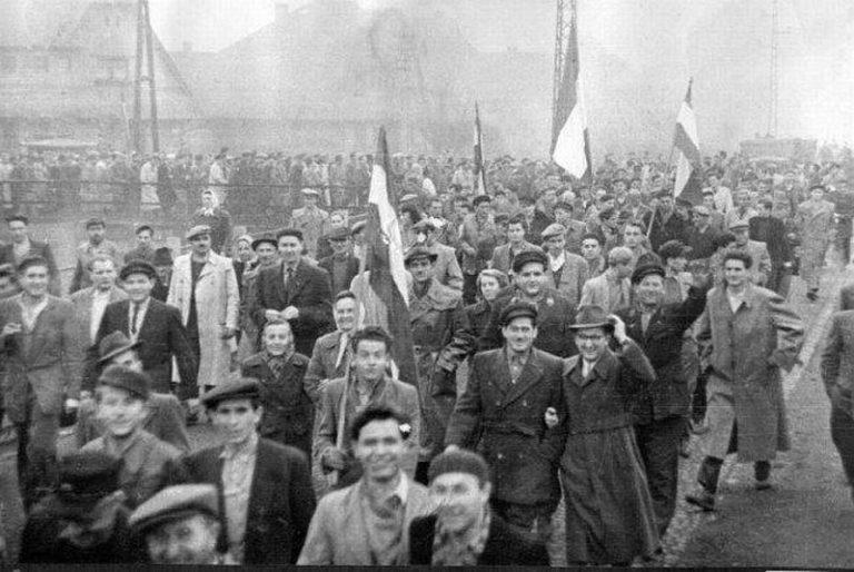 Októberi forradalom