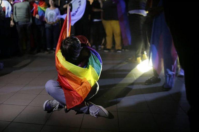 Melegházasság román módra – a baloldal édes élete a szélsőjobbal