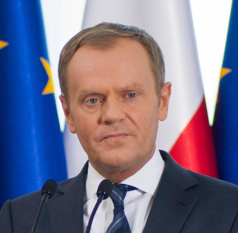 Főhet Orbán feje: Tusk kerülhet a néppárt élére