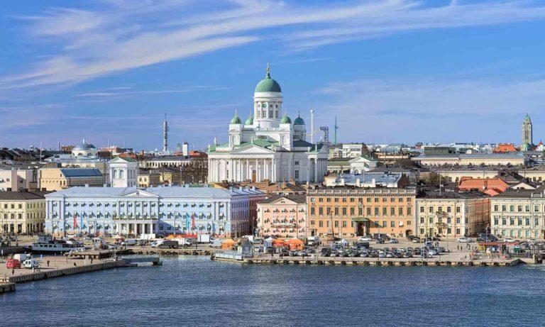 Helsinkiben is lehet folytatni a pávatáncot