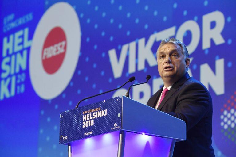 Kapitulált a Néppárt Orbán előtt?