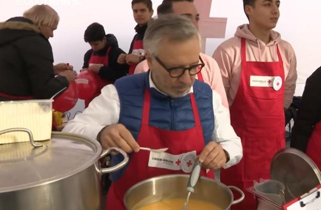 Sztárséfek főztek hajléktalanoknak
