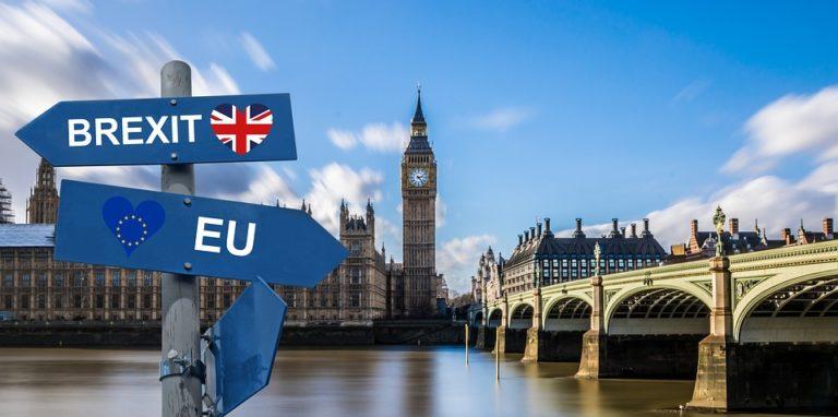 A Brexit hulláma minket is elérne