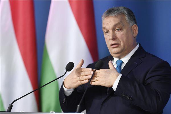 Az ellenzéki pártok szerint Orbán hazudozott a sajtótájékoztatón