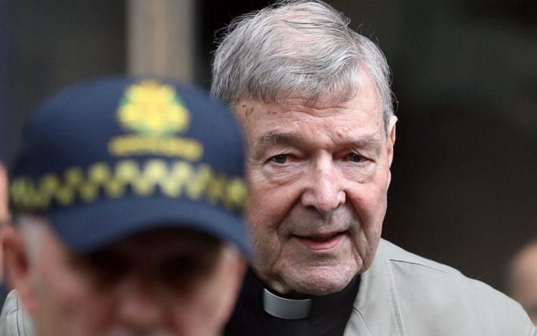 Pedofília miatt elítélték a Vatikán harmadik emberét