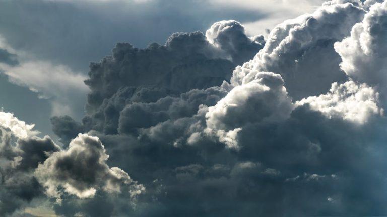Idén még marad a tempókülönbség, de jönnek a felhők