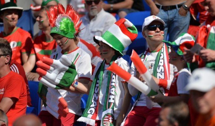 szurkolók a labdarúgó-válogatott meccsén