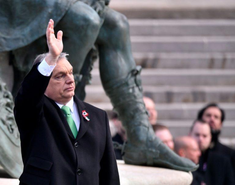 Orbán ki- és átjelentkezett?