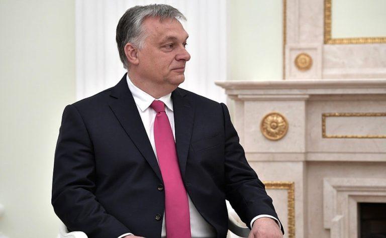 Orbán győzelemként ünnepli a felfüggesztést